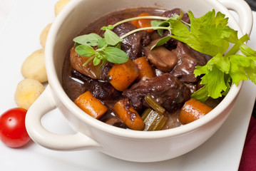Boeuf bourguignon with fresh herbs