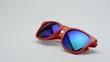 Gafas de sol de color rojo