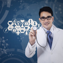 Doctor working with virtual screen