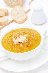 Cream soup of yellow lentils, vertical