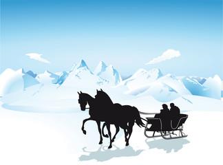 Pferdeschlitten in den Bergen