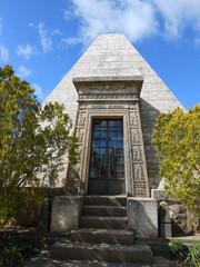 monumento funebre