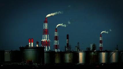 煙を吐く工場1