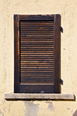 window  varese italy abstract      wood venetian blind  concret