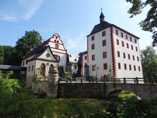 Schlossgraben & Brücke Schloss Kochberg