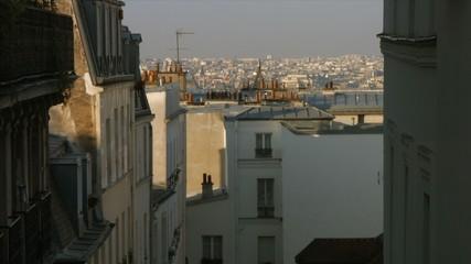 Toits de Paris sur le haut de la rue des Martyrs