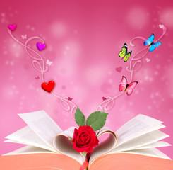 Buch mit Herzen und Schmetterlingen