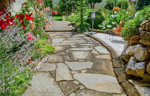 Schöner Gartenbereich - 67841893