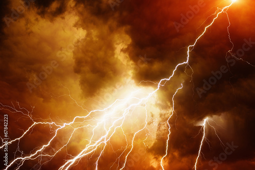 Fotobehang Onweer Light in dark red sky
