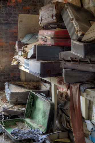 canvas print picture Abandoned suitcase