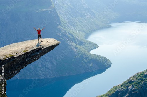 Spoed canvasdoek 2cm dik Alpinisme View of Trolltunga to fjord - Norway