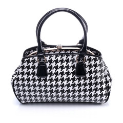 Ladies handbag in black and white checkered