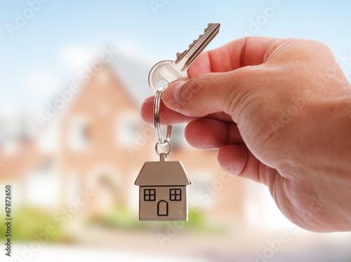 Leinwanddruck Bild Giving house keys