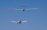 airplane towing a glider