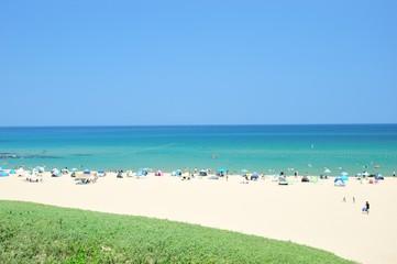 夏のビーチと海水浴