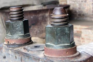 Tornillo y tuerca oxidados