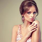 Fototapety Fashion Beauty Model Girl. Manicure and Make-up