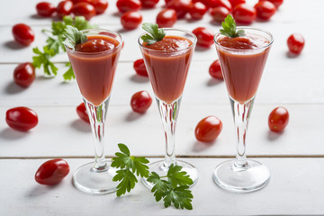 Bloody Mary cocktail zumo de tomate gazpacho fresco verano