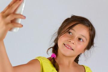 Mädchen macht einen Selfie
