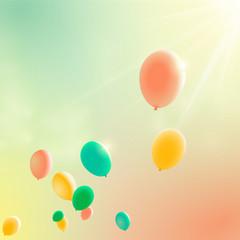 Luftballons vor sonnigem Himmel