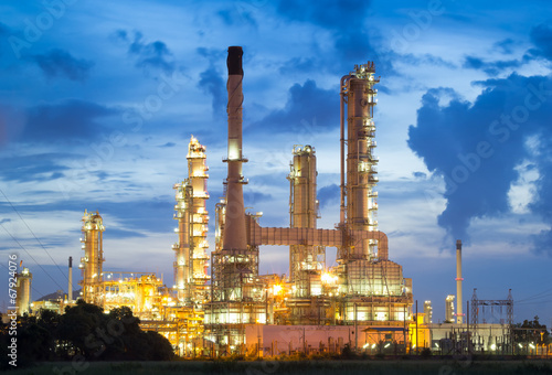 oil refinery - 67924076