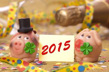Neujahr 2015 mit Glücksschwein und Champagner