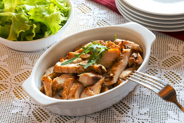 salad with roasted chicken and lettuce