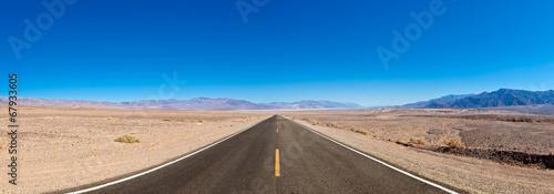Deurstickers Zandwoestijn Open road, Death Valley, California