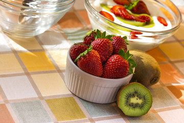 Strawberry & kiwi homemade yogurt