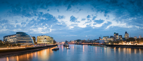 Thames London Cityscape