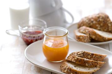 パン マーマレード ジャム 朝食
