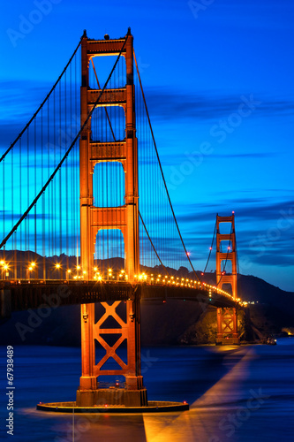 Fotobehang San Francisco Golden Gate Bridge at sunset, San Francisco, US