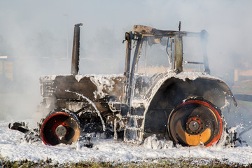 Traktor-Brand (Löschschaum)
