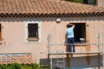 Travaux maison - Rénovation fenêtre - Ouvrier
