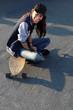 Młodzieżowy luz, dziewczyna na deskorolce - 67962698