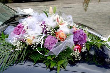 voiture de mariage décorée