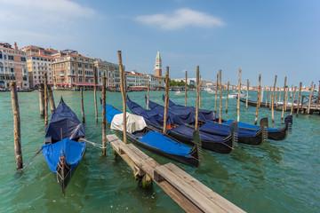 Gondel parken in Venedig