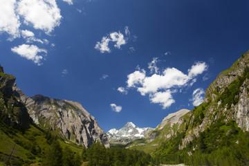 Großglockner in Österreich an einem sonnigen Tag