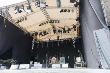Bühne vor dem Auftritt