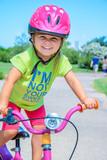 Fototapety Bambina in bicicletta