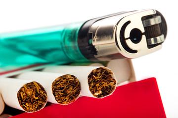 Zigaretten und Feuerzeug