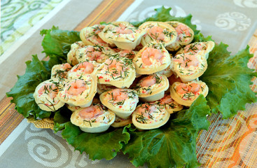 Tartlets with shrimp