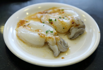 Fresh squid with sauce