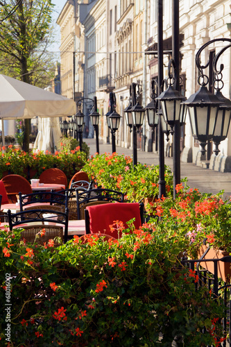 Street cafe in Cracow - 68016002
