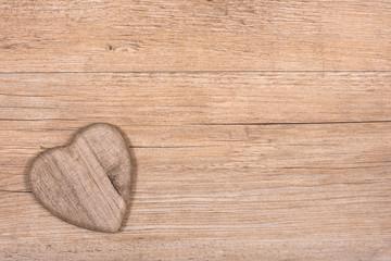 Rustikales Herz aus Holz