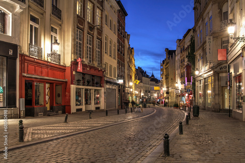 In de dag Brussel Winding Street, Brussels, Belgium