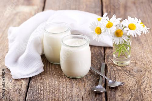 yogurt - 68051298