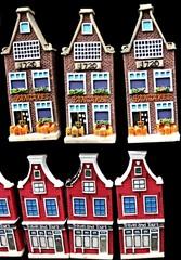 souvenir houses