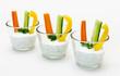 Rohkost-Sticks mit Quarkdip im Glas