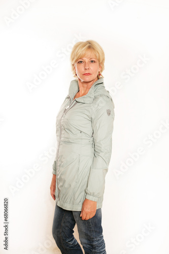 canvas print picture Frau mit Outdoorjacke